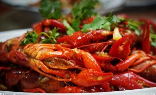 過期蝦改換生產日期再出售 食品安全監管不能靠臥底推動_股票_中穆青年網
