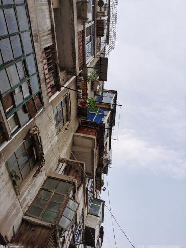 """""""炒房团""""也在逃离""""北上广""""?揭秘小城镇房价大幅上涨背后的影响因素"""