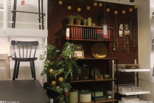 玄關過道→客廳→陽臺是最典型的入戶花園模式