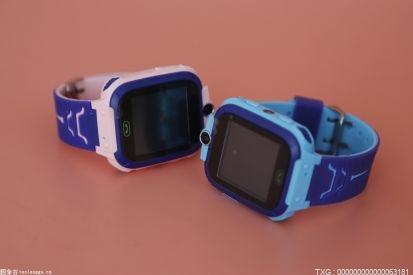 马群街道给辖区内老人配备智能腕表 为安全和放心加码