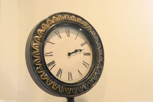 """在客廳里好好擺設一只合適的鐘表哦!令家人和宅邸""""時來運轉""""!"""