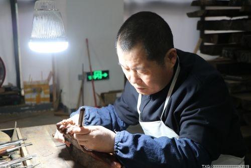 """""""桂城杯""""展开激烈角逐 60名能工巧匠展示南海红木文化"""